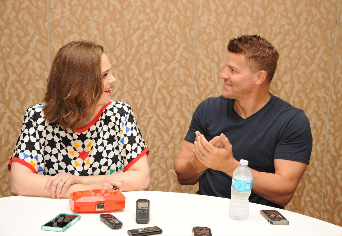 FOX FANFARE AT SAN DIEGO COMIC-CON © 2016: L-R: BONES cast members Emily Deschanel and David Boreanaz during the BONES press room on Friday, July 22 at the FOX FANFARE AT SAN DIEGO COMIC-CON © 2016. CR: Scott Kirkland/FOX © 2016 FOX BROADCASTING