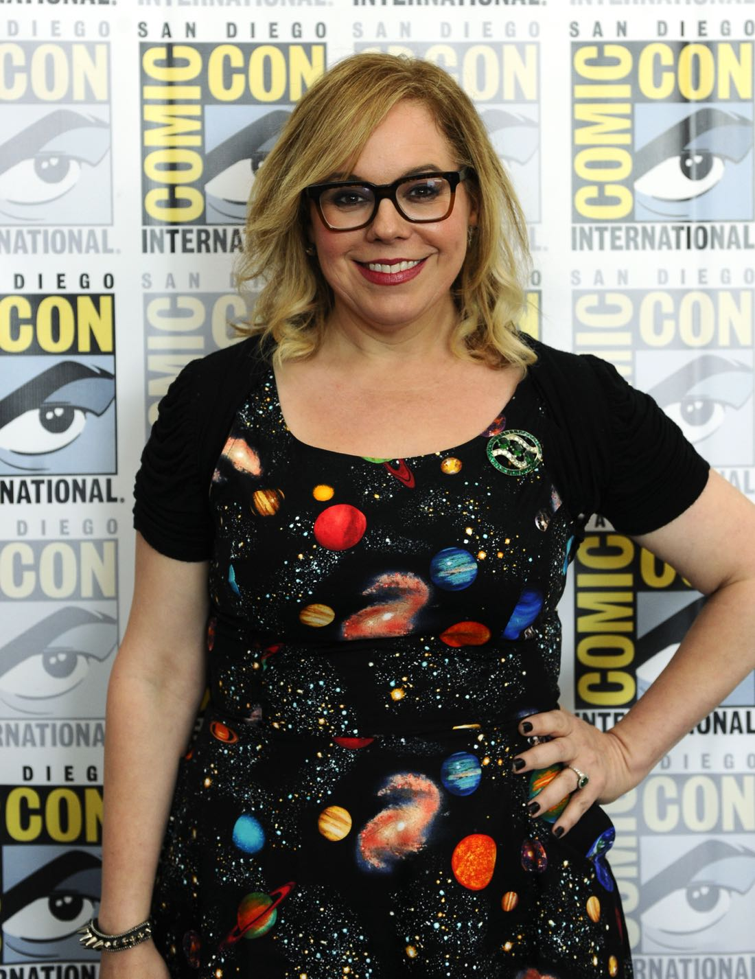 Kirsten Vangness goes live on Facebook with CBS Interactive at COMIC-CON® 2016 in San Diego, California. Photo: Johnny Vy/CBS ©2016 CBS Broadcasting, Inc. All Rights Reserved