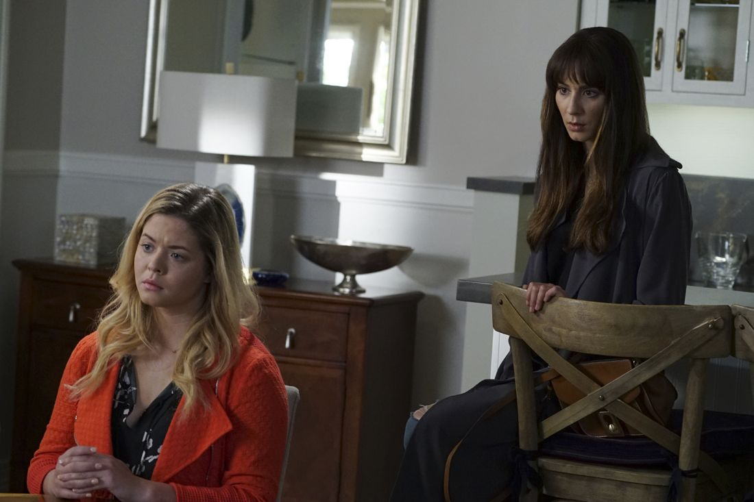 """PRETTY LITTLE LIARS - """"Wanted: Dead or Alive"""" - As the police gain new leads in Rollins' disappearance, the Liars wonder if he really is dead while someone else meets his/her end, in """"Wanted: Dead or Alive,"""" an all-new episode of Freeform's hit original series """"Pretty Little Liars,"""" airing TUESDAY, AUGUST 2 (8:00-9:00 p.m. EDT). (Freeform/Eric McCandless) SASHA PIETERSE, TROIAN BELLISARIO"""