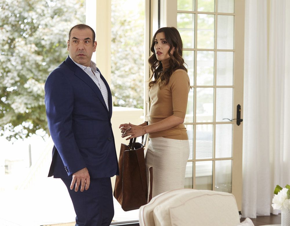 "SUITS -- ""Spain"" Episode 606 -- Pictured: (l-r) Rick Hoffman as Louis Litt, Carly Pope as Tara Messer -- (Photo by: Shane Mahood/USA Network)"