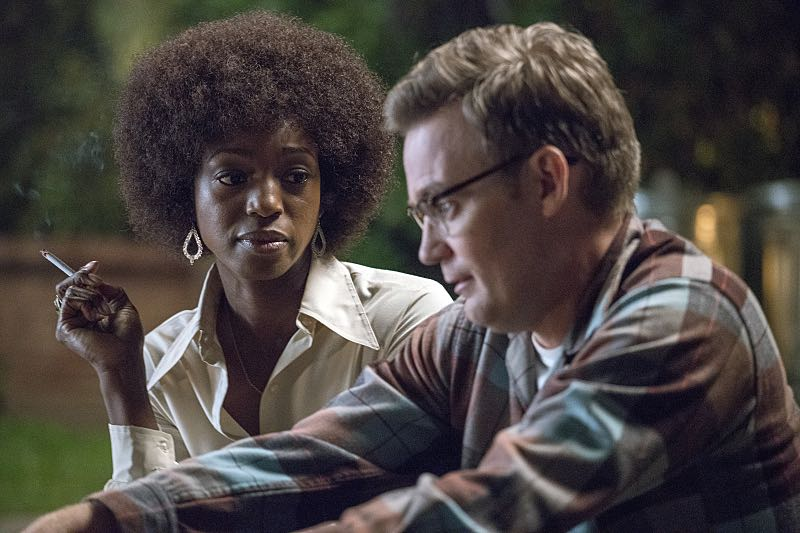 Enuka Okuma as Cleo and Kevin Christy as Lester in Masters of Sex (season 4, episode 4) - Photo: Warren Feldman/SHOWTIME - Photo ID: MastersofSex_404_0359