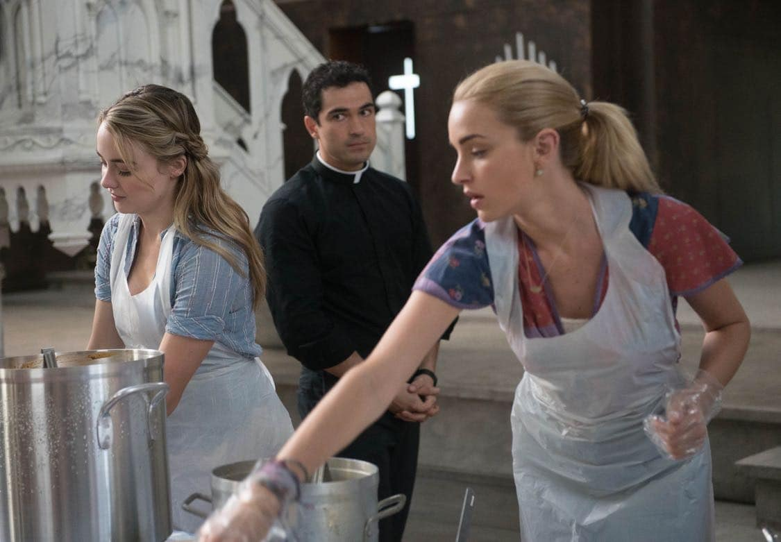 """THE EXORCIST:  L-R:  Hannah Kasulka, Alfonso Herrera and Brianne Howey in the """"Lupus in Fabula"""" episode of THE EXORCIST airing Friday, Sept. 30 (9:00-10:00 PM ET/PT) on FOX.  ©2016 Fox Broadcasting Co.  Cr:  Jean Whiteside/FOX"""
