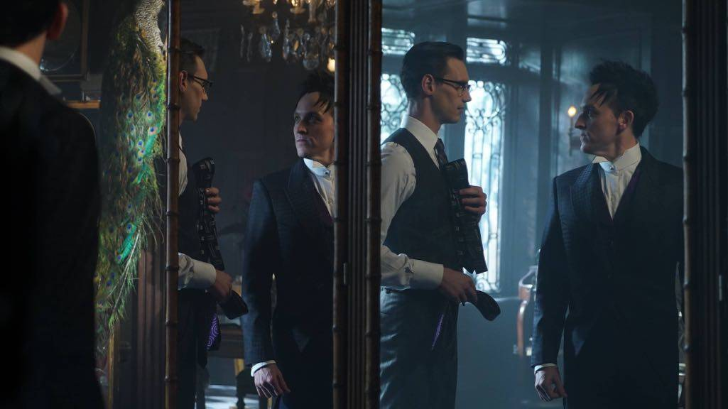 """GOTHAM: L-R: Cory Michael Smith and Robin Lord Taylor in the """"Mad City: Red Queen"""" episode of GOTHAM airing Monday, Oct. 31 (8:00-9:01 PM ET/PT) on FOX. ©2016 Fox Broadcasting Co. Cr: Nicole Rivelli/FOX."""