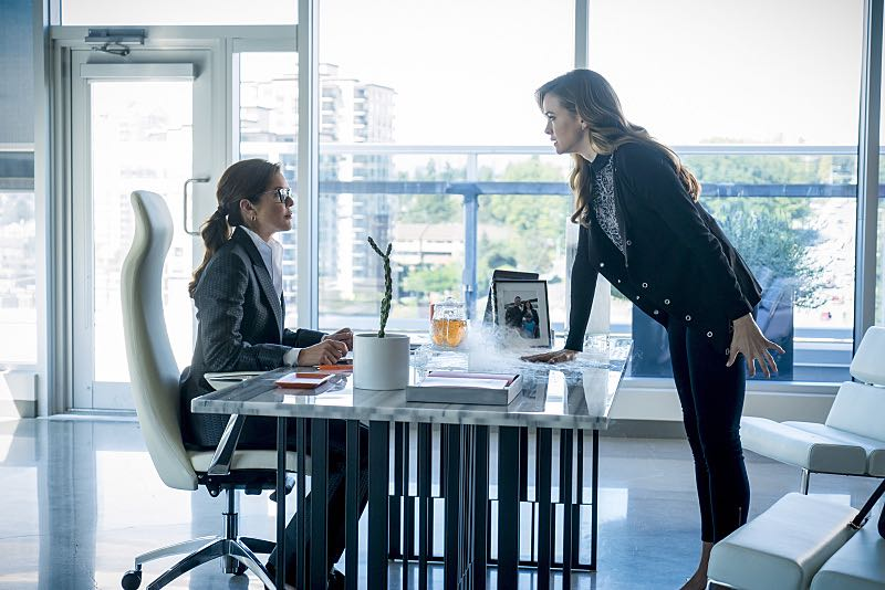 """The Flash -- """"Monster"""" -- Image FLA305b_0180b.jpg -- Pictured (L-R): Susan Walters as Dr. Tannhauser and Danielle Panabaker as Caitlin Snow -- Photo: Katie Yu/The CW -- © 2016 The CW Network, LLC. All rights reserved."""