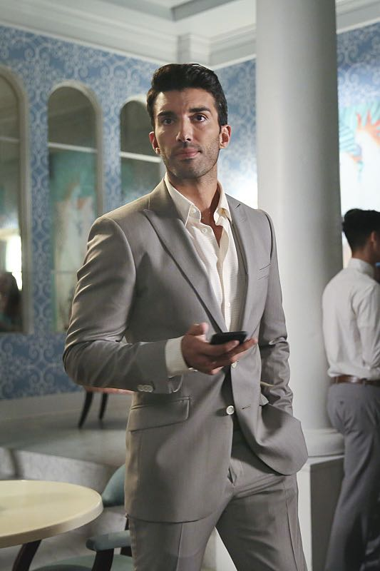 "Jane The Virgin -- ""Chapter Forty-Seven"" -- Image Number: JAV303b_0102.jpg -- Pictured: Justin Baldoni as Rafael -- Photo: Patrick Wymore/The CW -- © 2016 The CW Network, LLC. All Rights Reserved."