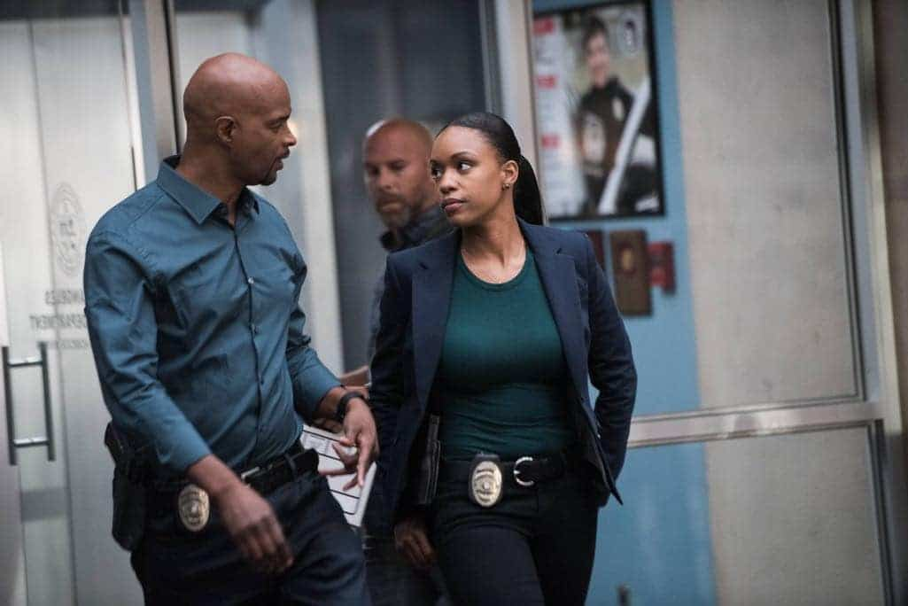 """LETHAL WEAPON: Pictured L-R: Damon Wayans and guest star Michelle Mitcherson in the """"Ties That Bind"""" episode of LETHAL WEAPON airing Wednesday, Nov. 2 (8:00-9:00 PM ET/PT) on FOX. ©2016 Fox Broadcasting Co. CR: Eddy Chen/FOX"""