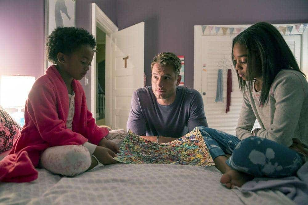 """THIS IS US -- """"The Game Plan"""" Episode 105 -- Pictured: (l-r) Faithe Herman as Tess, Justin Hartley as Kevin, Eris Baker as Olivia -- (Photo by: Ron Batzdorff/NBC)"""