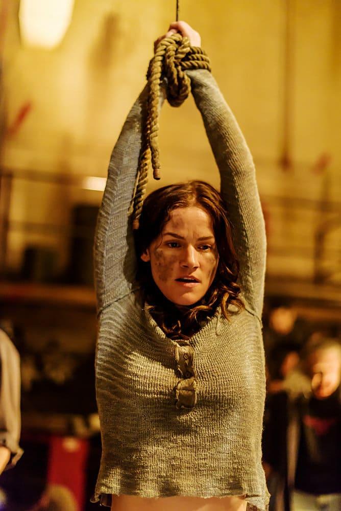 "VAN HELSING -- ""Fear Her"" Episode 105 -- Pictured: Kelly Overton as Vanessa Van Helsing -- (Photo by: Dan Power/Helsing S1 Productions/Syfy)"