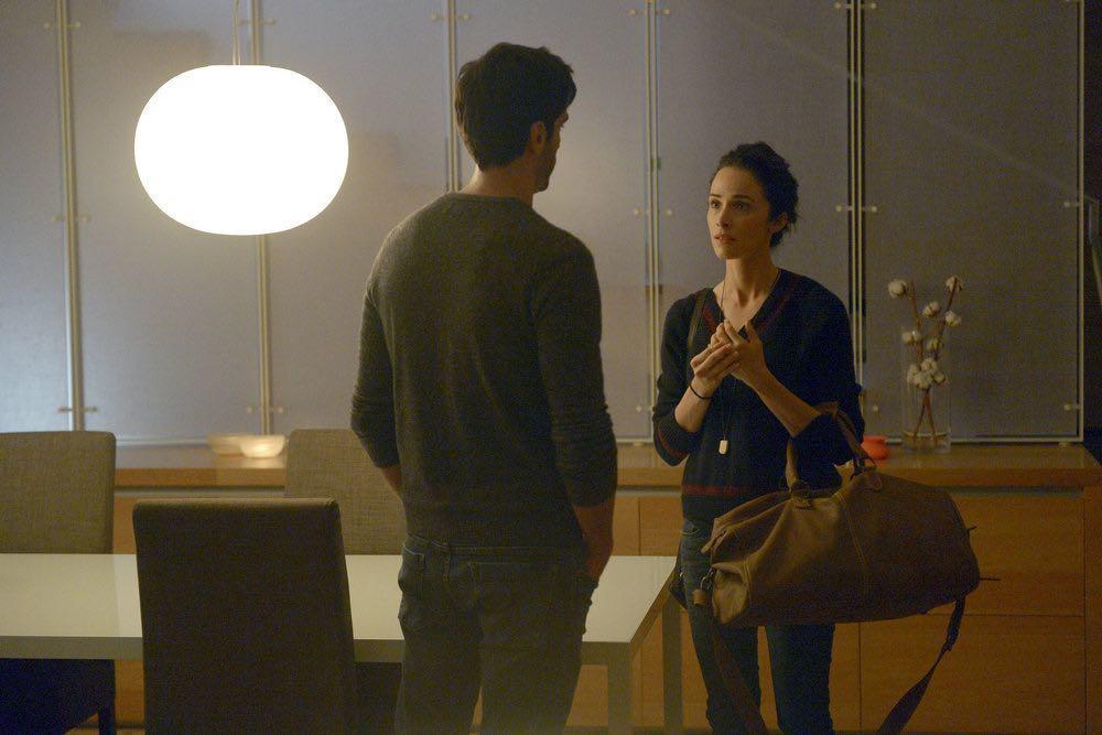 "TIMELESS -- ""Atomic City"" Episode 102 -- Pictured: (l-r) Daniel Di Tomasso as Noah, Abigail Spencer as Lucy Preston -- (Photo by: Sergei Bachlakov/NBC)"