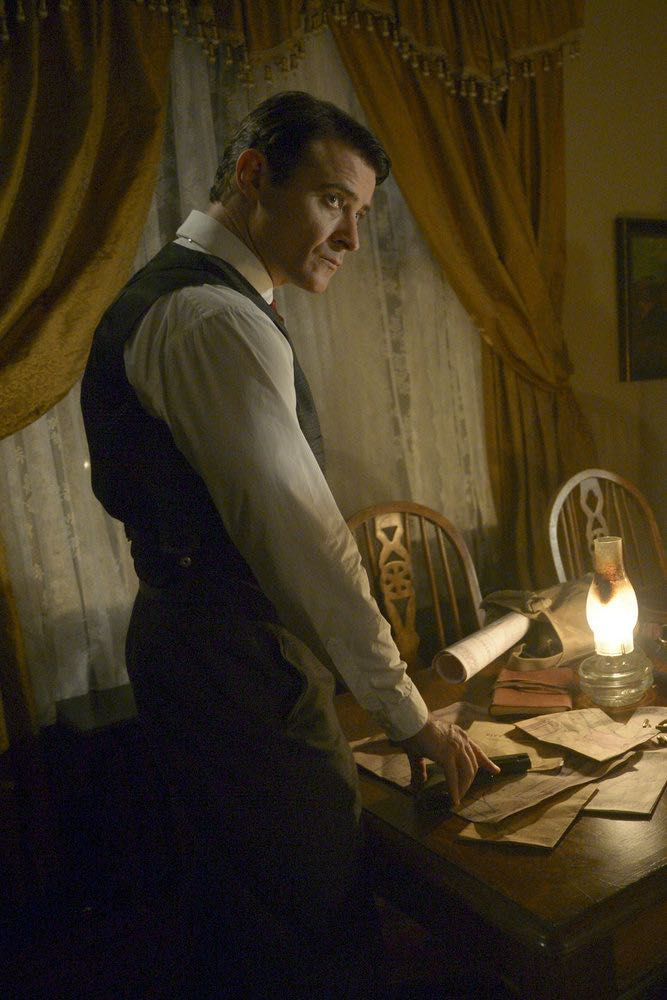 "TIMELESS -- ""The Assassination of Abraham Lincoln"" Episode 101 -- Pictured: Goran Visnjic as Garcia Flynn -- (Photo by: Sergei Bachlakov/NBC)"
