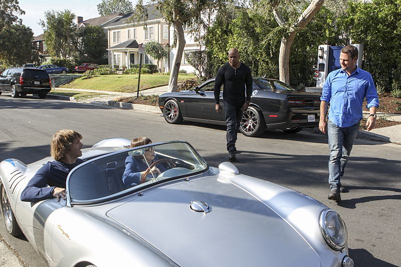 """Sirens"" -- Pictured: Eric Christian Olsen (LAPD Liaison Marty Deeks), Linda Hunt (Henrietta ""Hetty"" Lange), LL COOL J (Special Agent Sam Hanna) and Chris O'Donnell (Special Agent G. Callen).  After an unknown female assailant kills two men disguised as Sherriff's deputies in front of Callen's home, the NCIS team gets a new lead in the ongoing mole investigation. Also, Nell visits a prison to interview an inmate withholding information on the department's leak, on NCIS: LOS ANGELES, Sunday, Nov. 27 (8:30-9:30 PM, ET/8:00-9:00 PM, PT), on the CBS Television Network. Photo: Sonja Flemming/CBS ©2016 CBS Broadcasting, Inc. All Rights Reserved."