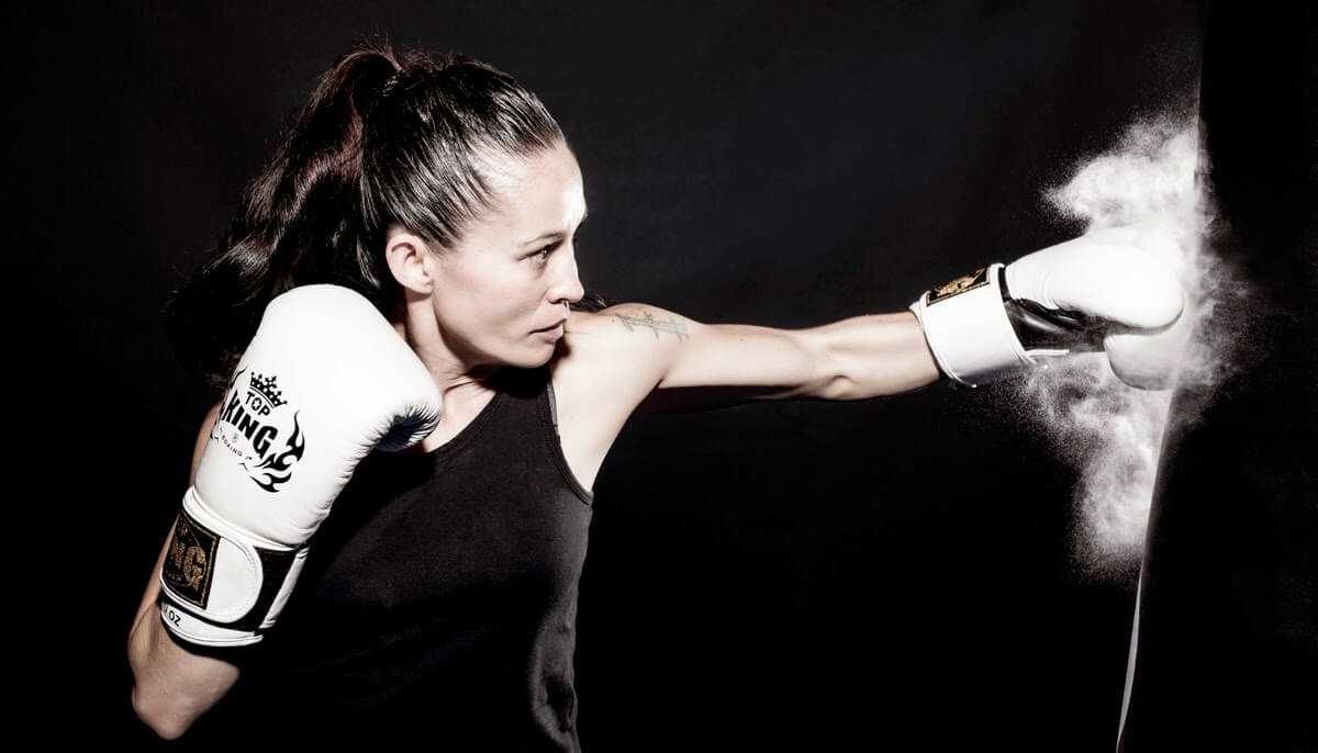 girl kickboxing