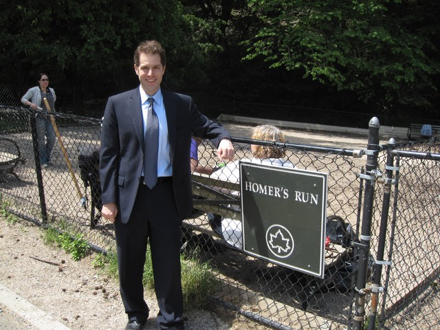 New York State Senate hopeful Mark Levine stopped by to meet with the dog run volunteers.