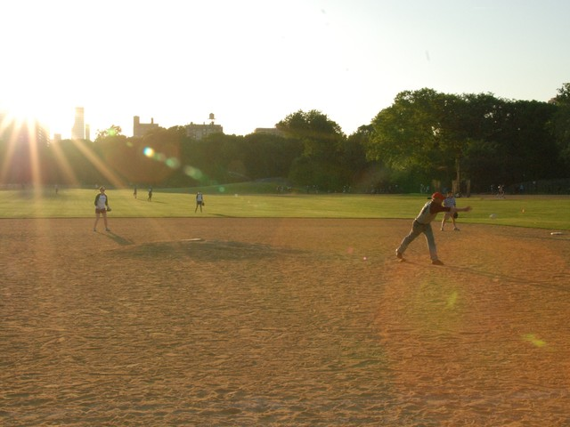Vanity Fair beat the New Yorker in softball on Tuesday night, 18-3.