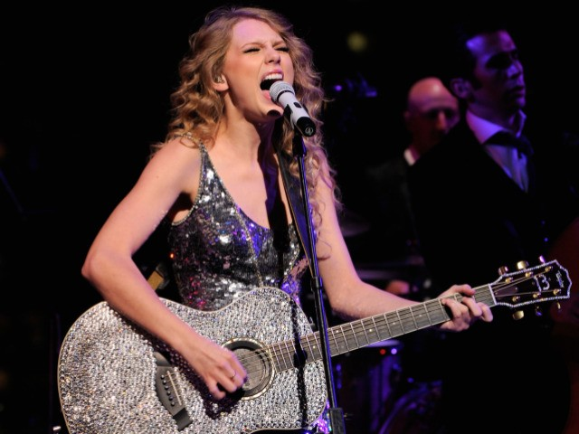 20-year-old Taylor Swift rocked on Tuesday for the attendees of Time's 100 Most Influential People gala.