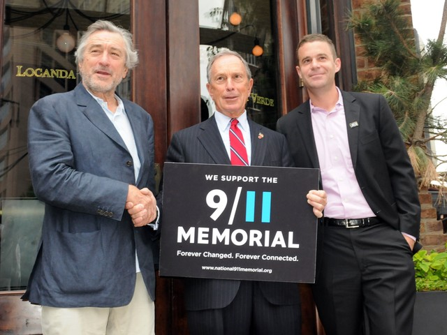 Robert De Niro, Mayor Bloomberg and Joe Daniels, president of the 9/11 memorial foundation, at a press event in 2010.