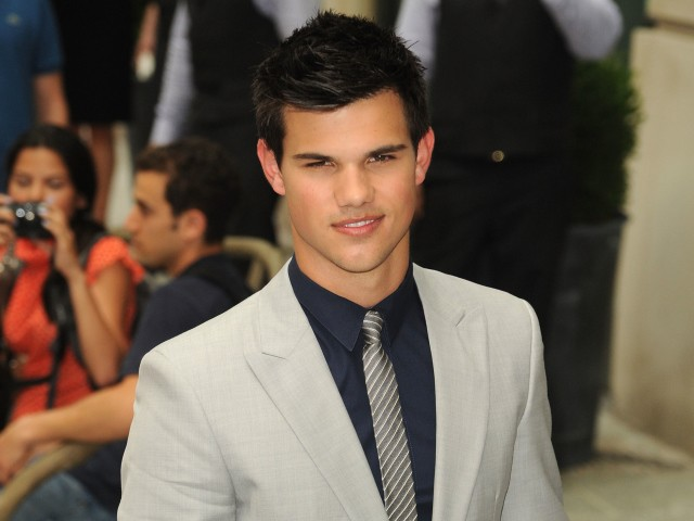 18-year-old Taylor Lautner showed off his impeccable good looks at the SoHo premiere of the newest