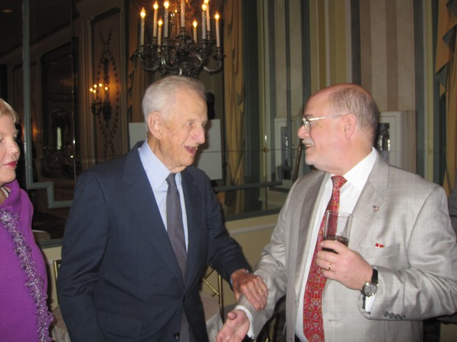 Retired Manhattan District Attorney Robert Morgenthau (L) was among the guests.