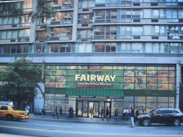 Owners of Fairway Market displayed a rendering of what the new 240 East 86th Street Upper East Side location will look like at a groundbreaking ceremony Wednesday.