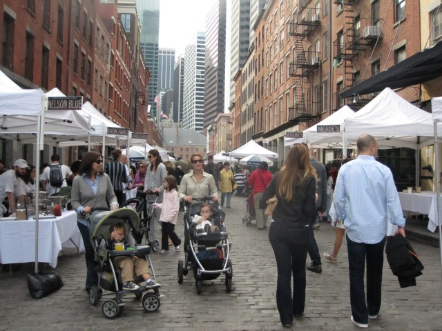 Taste of the Seaport drew hundreds of people to Front Street Sunday afternoon.