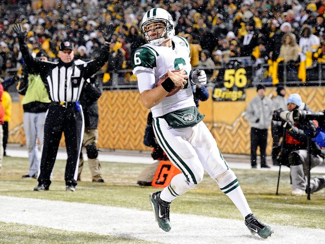 Mark Sanchez runs for a 7-yard touchdown in the third quarter against the Pittsburgh Steelers at Heinz Field on Dec. 19, 2010.