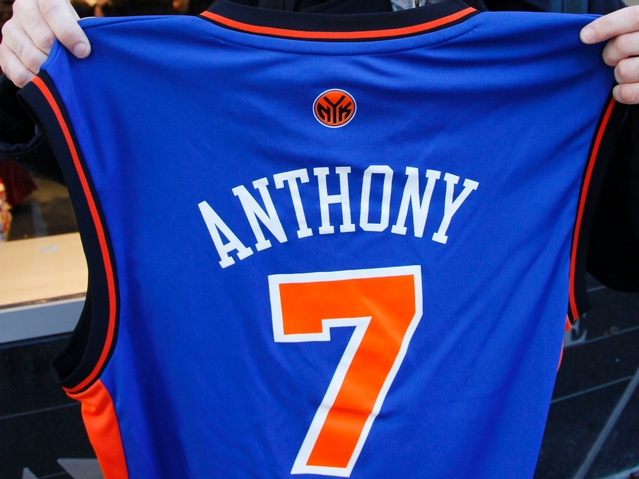 carmelo anthony knicks jersey number. Carmelo Anthony Scores 27 to