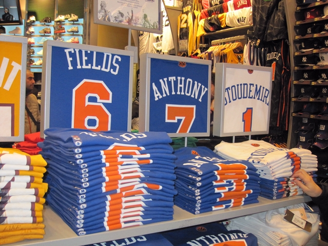 carmelo anthony knicks jersey number 7. Knicks merchandise is a hot