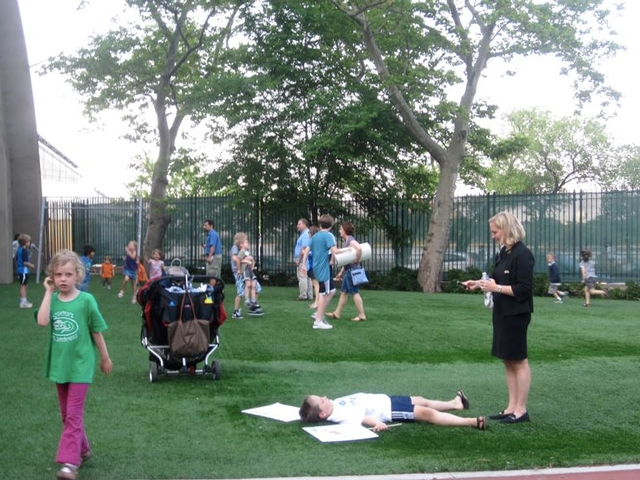 Residents don't want the East 91st Street waste transfer station to run their idyll at Asphalt Green.