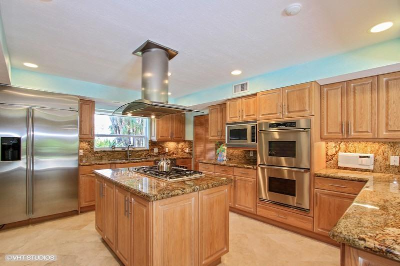 kitchen with granite countertops in waterfront pool home, properties for sale, Large new kitchen