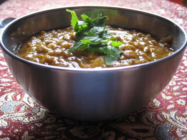 Yemeni lentil soup