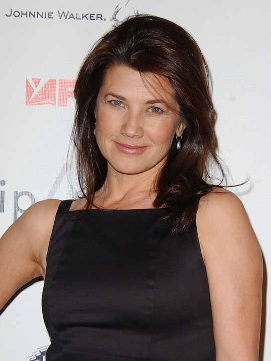 daphne zuniga one tree hill