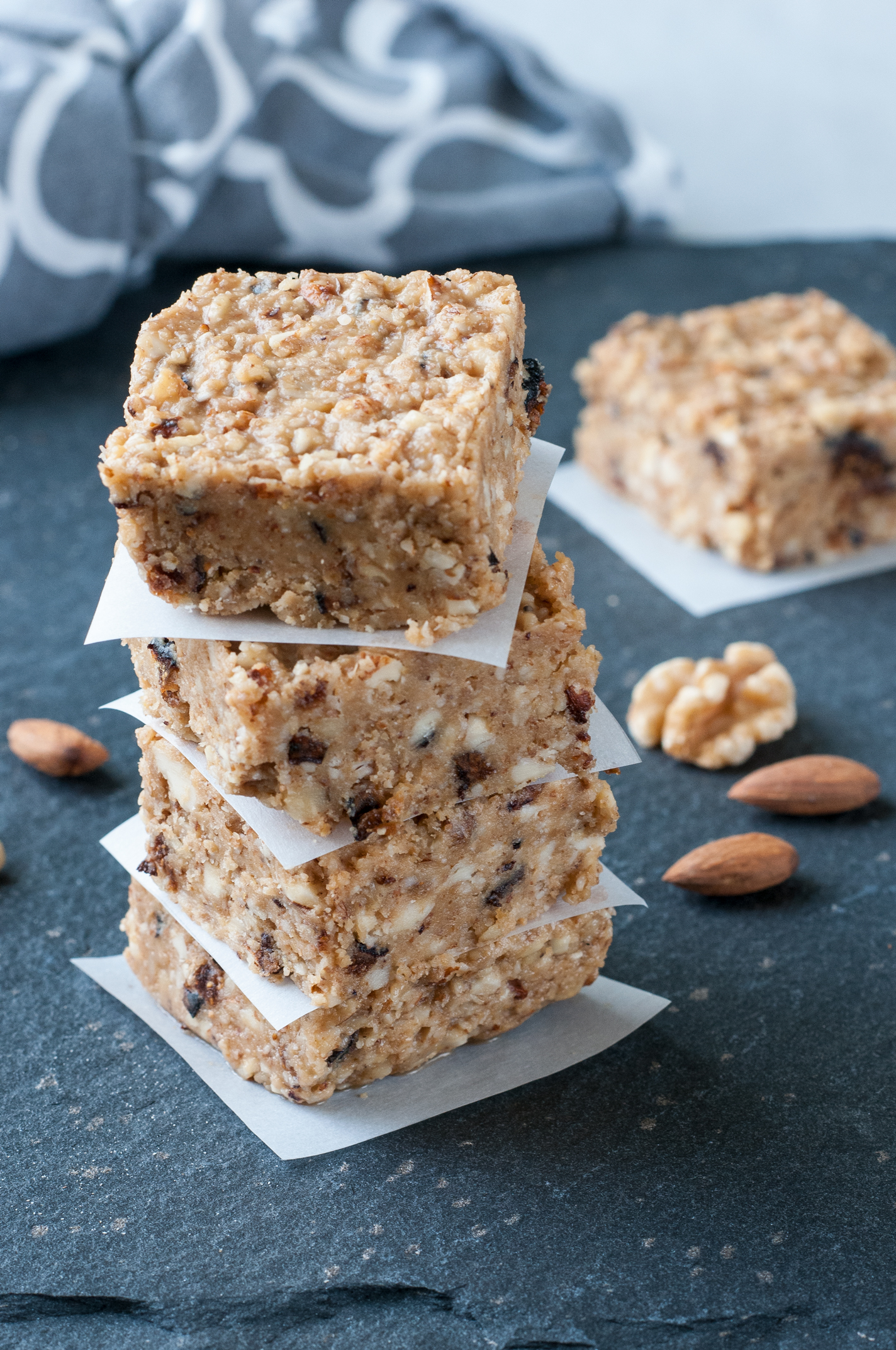 almond walnut gluten free dairy free protein bar recipe