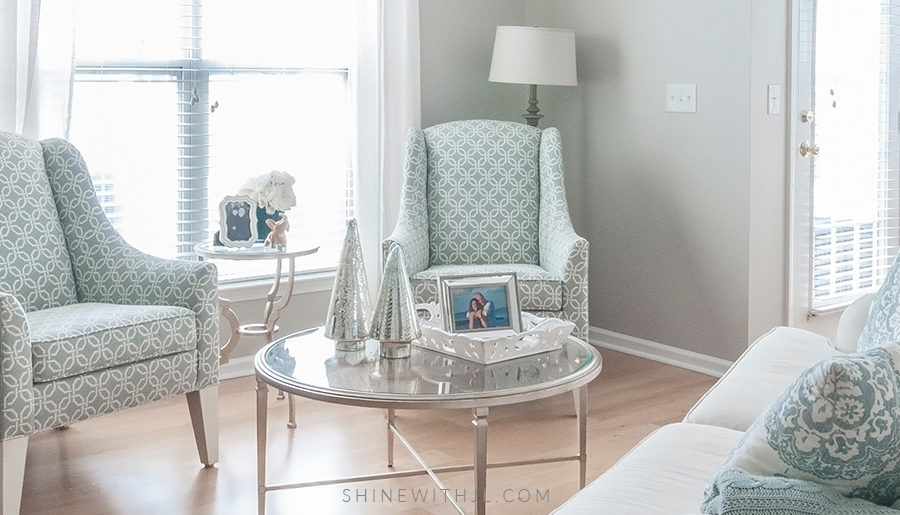 Decorating On A Budget: Breakfast Nook & Living Room