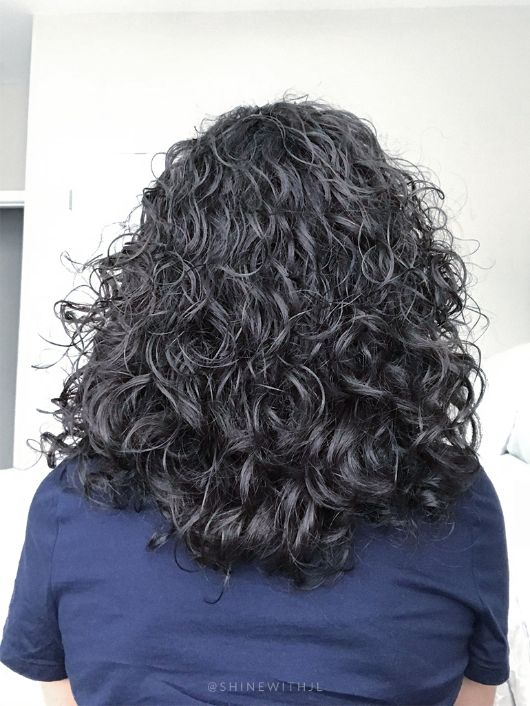back of curly hair cut medium length