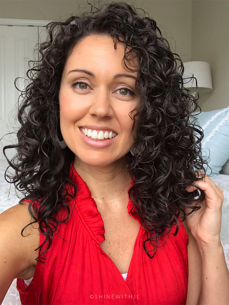 layered curly hairstyle medium curls