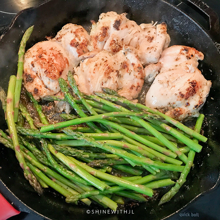 one pan chicken and asparagus meal prep recipe