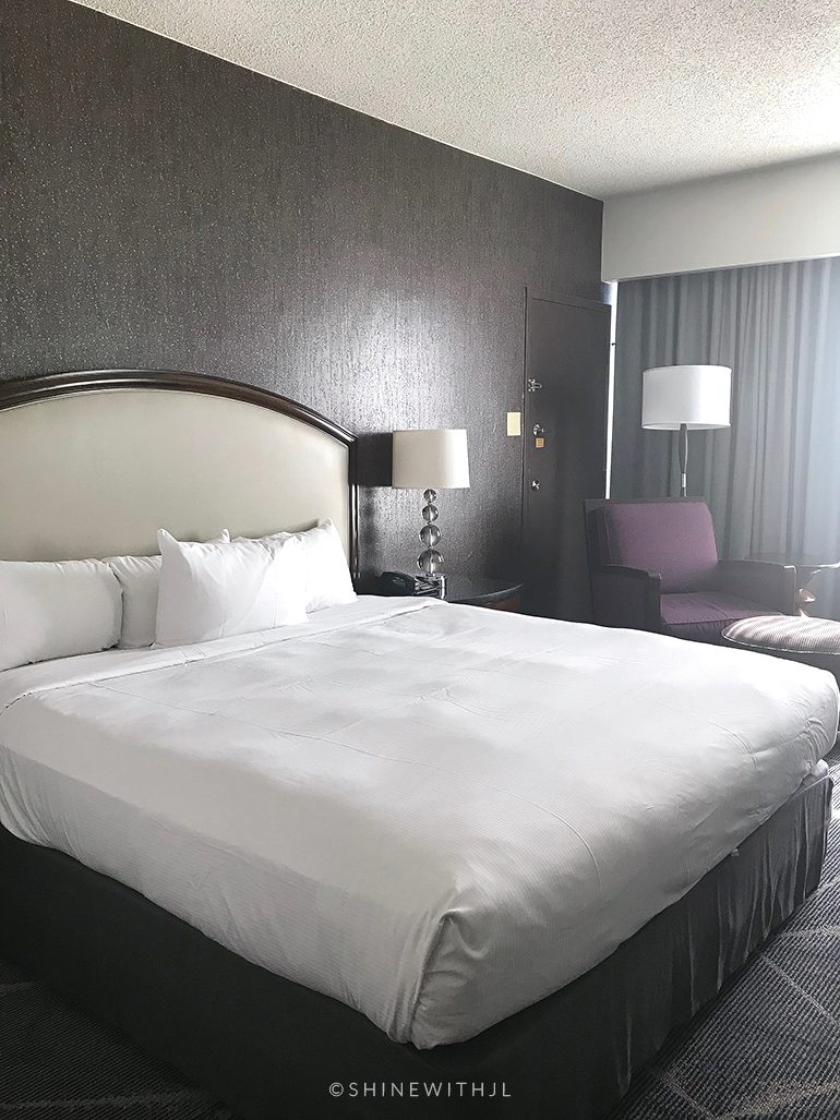 hilton atlanta king bed room