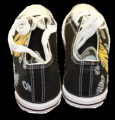 DMUM Logo  shoes