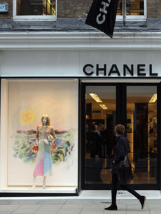 Shoptiques Fashion Behemoth Chanel Opts Out of E-Commerce