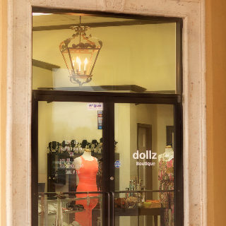 Dollz Boutique in Laredo