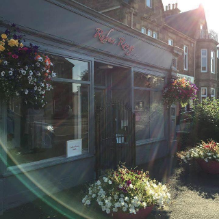 Ruban Rouge in Stirling