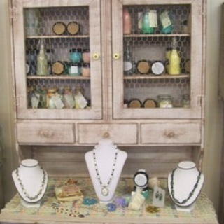 B & S Jewelry and More in Texas