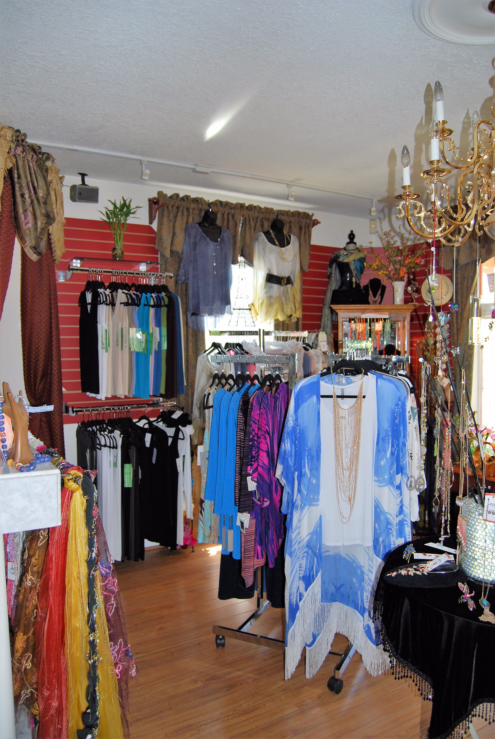Carly's Boutique in Arvada