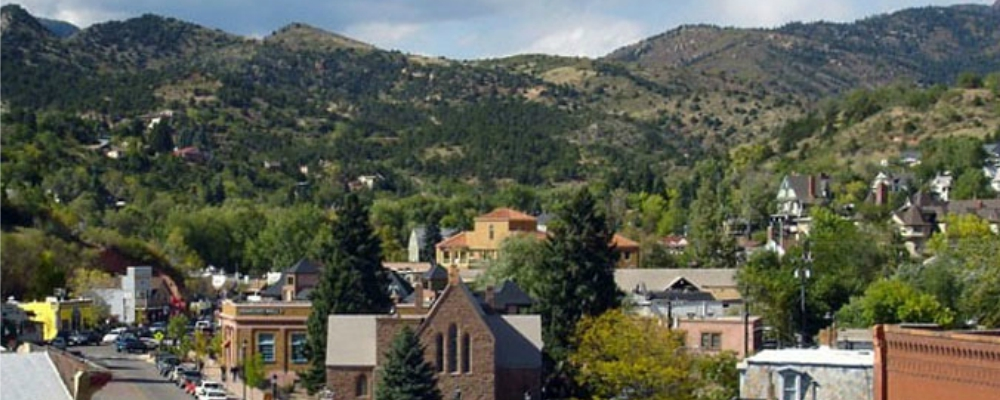 Shoptiques Fashions in Manitou Springs