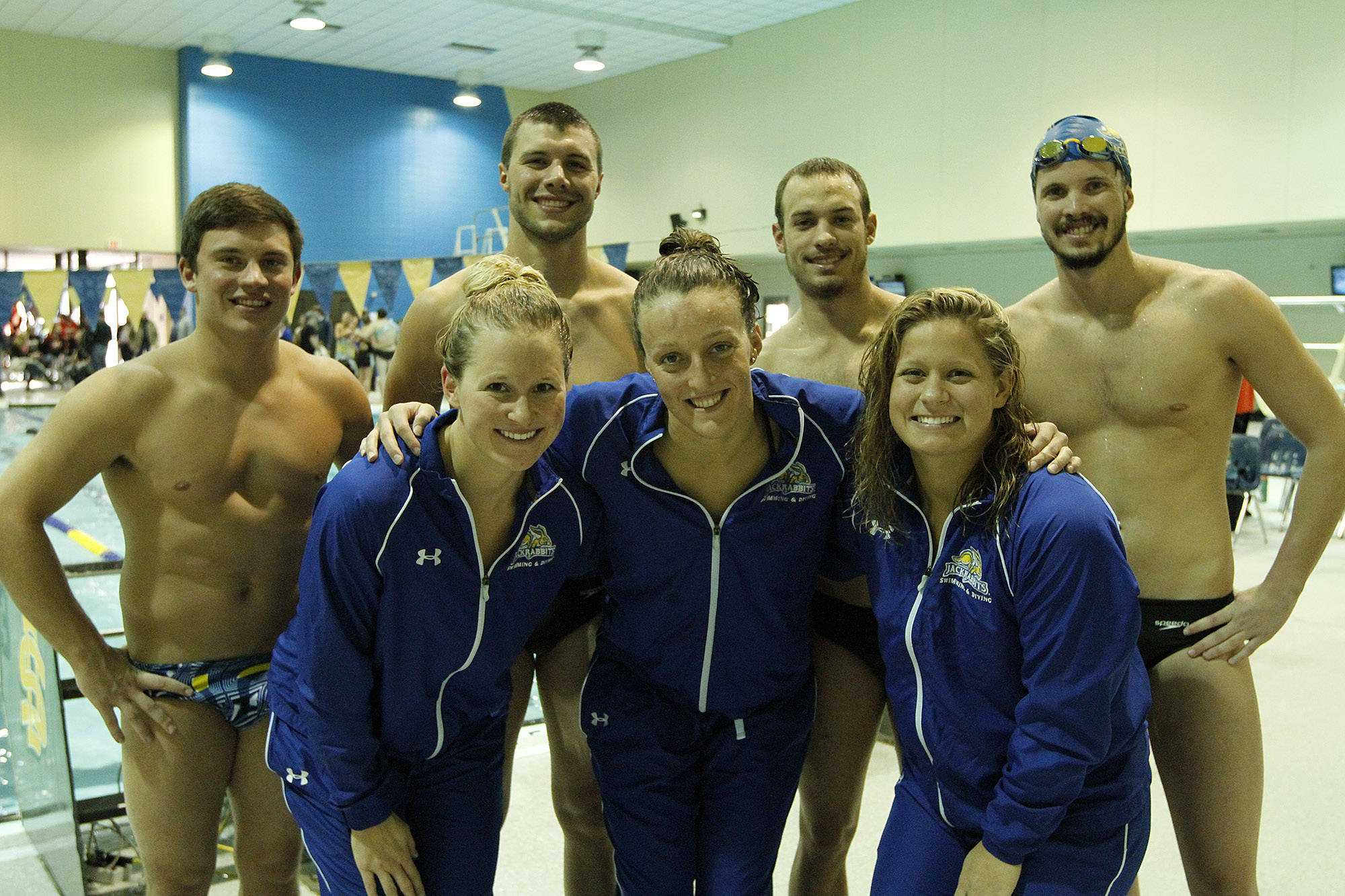 South Dakota State Athletics Bolinske Breaks Pool Record Jacks Sweep Scsu