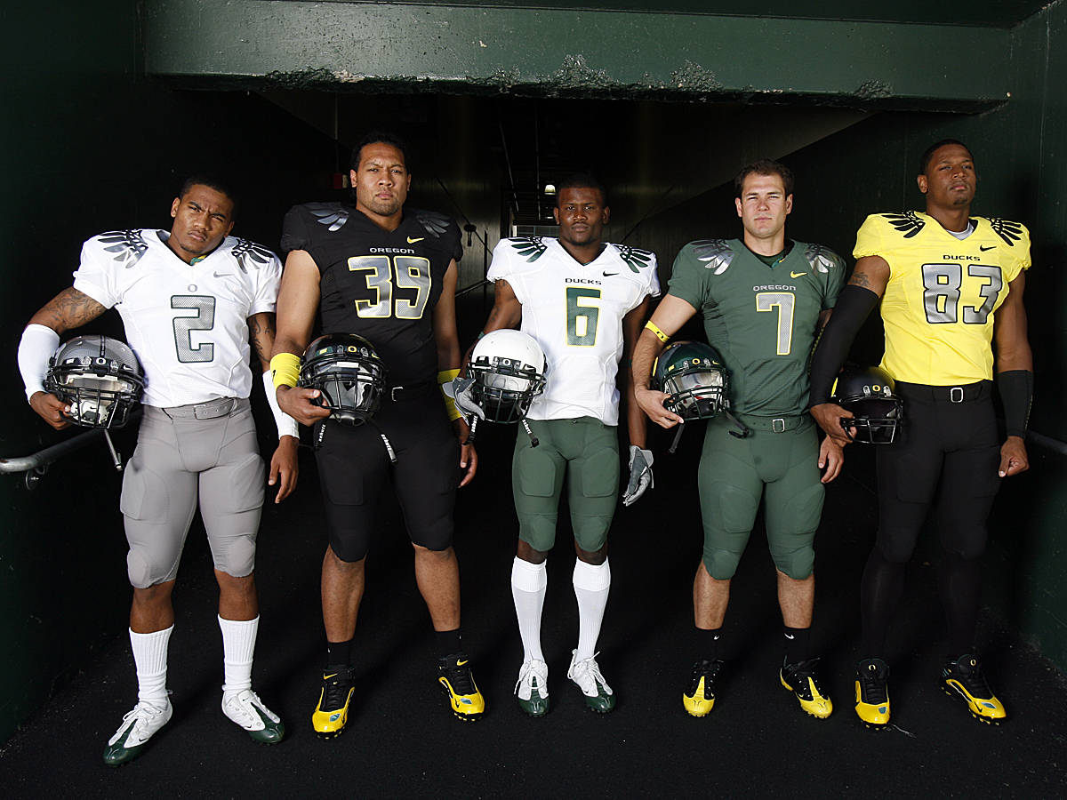 how many uniform combinations does university of oregon have