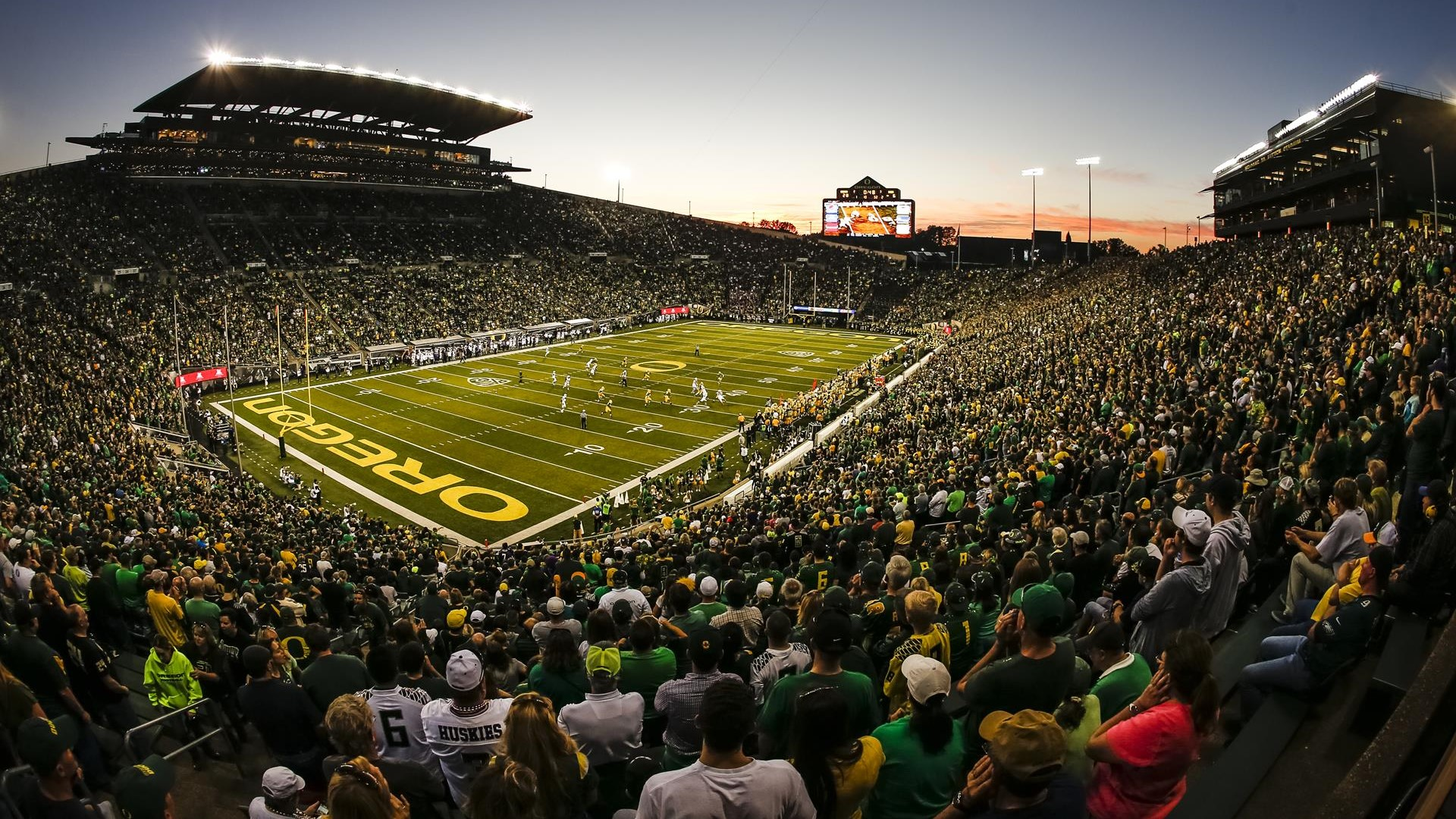 Autzen_washington2014_ee