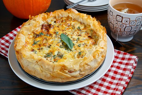 Roasted Pumpkin, Caramelized Onion and Gorgonzola Quiche 500 8464