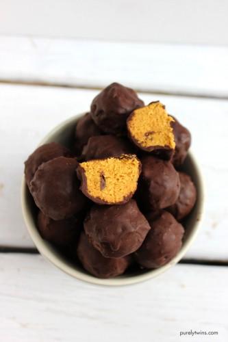 best-pumpkin-pie-chocolate-chip-fudge-truffles-vegan-raw-gluten-free-paleo-purelytwins