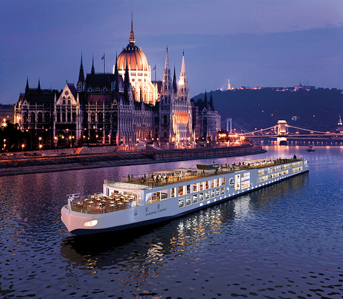 river cruise photo